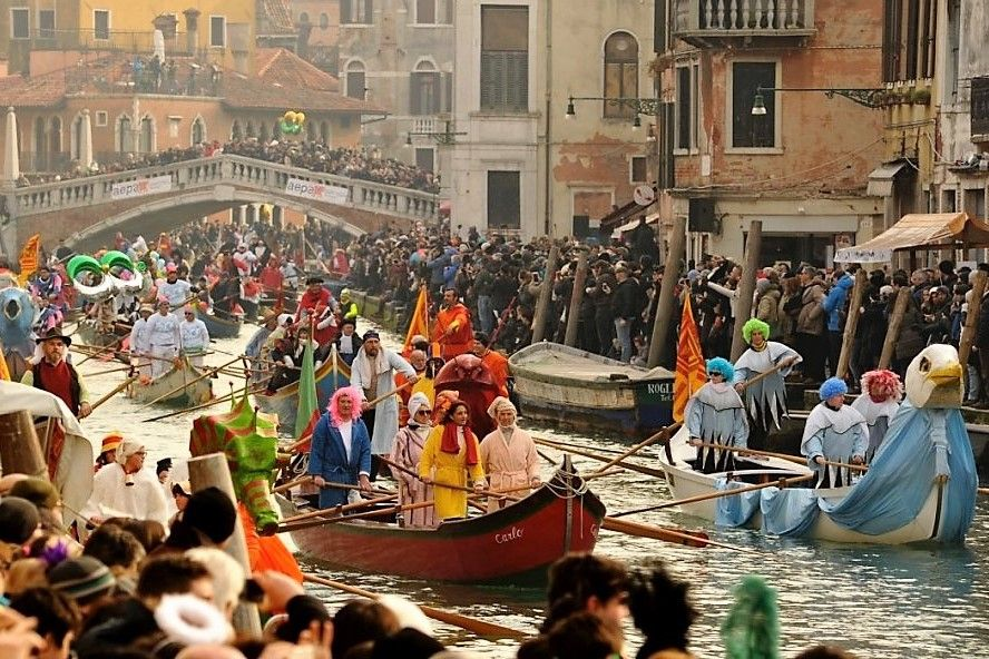 Festa Veneziana on the water