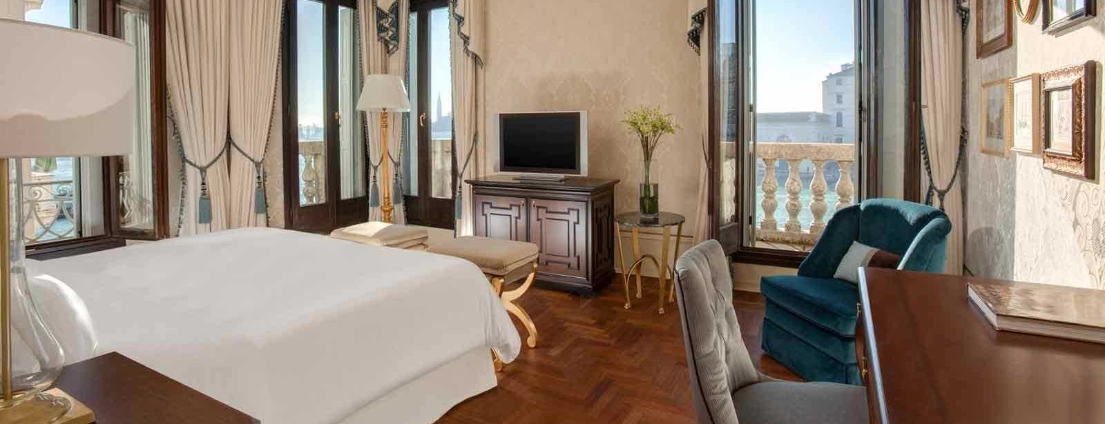 Grand Canal view rooms